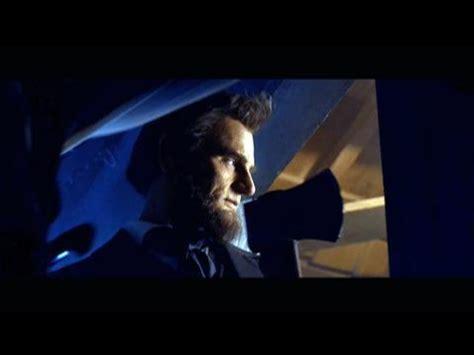 Abraham Lincoln: Vampire Hunter -- Clip: Train Escape