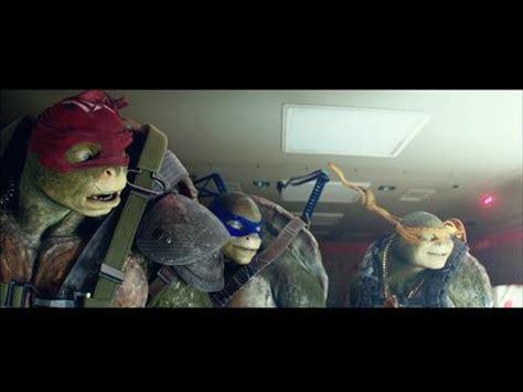 Teenage Mutant Ninja Turtles: Out of the Shadows -- Clip: Airplane Jump