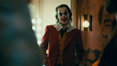 IMDbrief -- Now that the Toronto International Film Festival has had its first look at this year's awards contenders, the 2020 Oscar race is off and running. From jokers to hustlers to hot air ballooners, on this IMDbrief, we break down our five big takeaways from TIFF 2019 so far.
