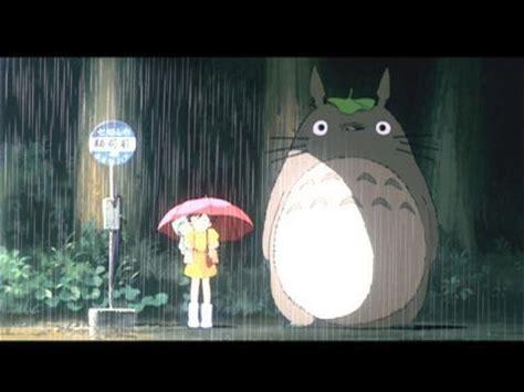 Tonari no Totoro -- Clip: Totoro At The Bus Stop
