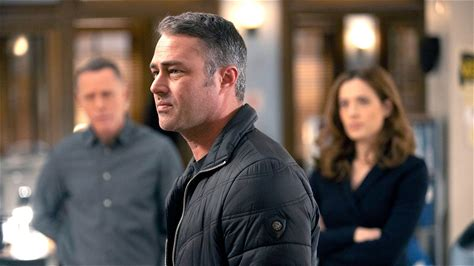 Watch Chicago Fire Episode: Off the Grid - NBC.com