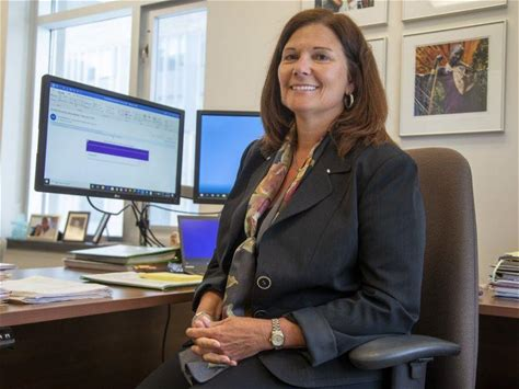 Western research helps develop personalized website for women in domestic