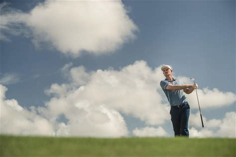 Golf Tips by Justin Rose Justin Rose finally realised his dream of becoming the world's number one golfer in 2018. These top tips reveal how the 10-time PGA Tour winner climbed to the summit of the sport. Watch Justin's favourite golf tips and you too could see a huge improvement in your game.