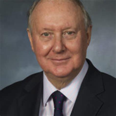 Kenneth Calman
