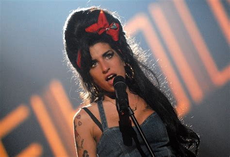 26 Amy Winehouse HD Wallpapers | Background Images ...