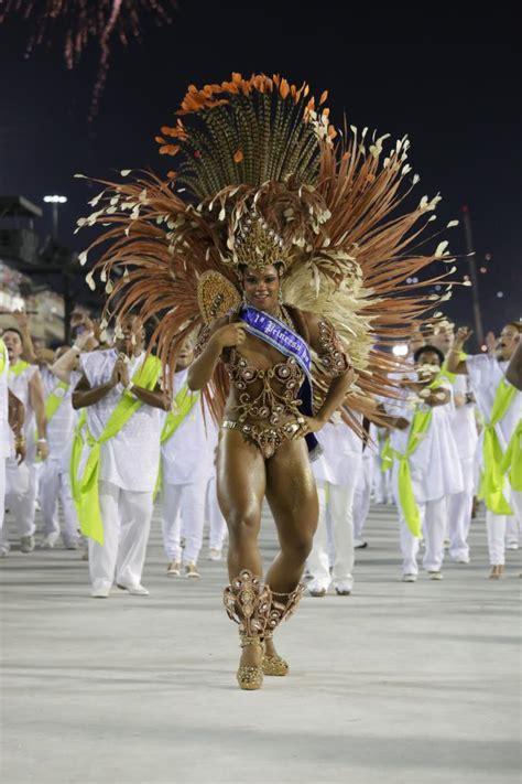 Rio Carnaval 2015: Desfile da Escola Samba Império Serrano