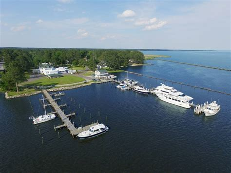 River Forest Marina slip, dock, mooring reservations - Dockwa