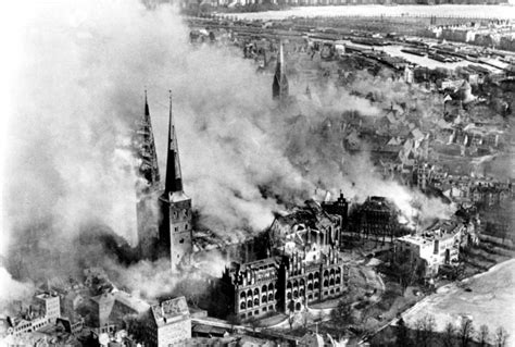 Bombing of Lübeck in World War II - Wikipedia