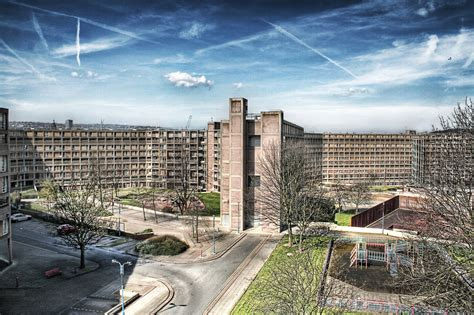 File:Park Hill, half-abandoned council housing estate ...