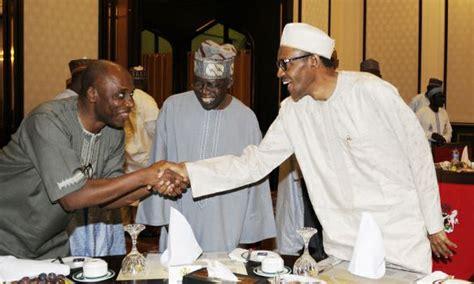 Pics:tinubu,buhari,amaechi Breaks Ramadan Fast Together ...