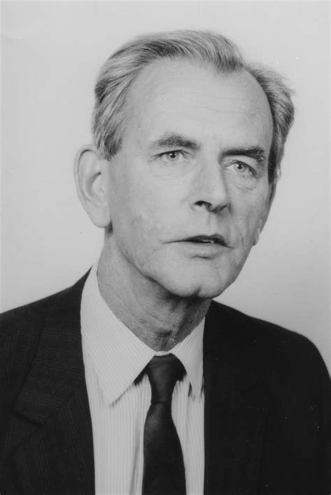 Brian Abel-Smith - Wikipedia