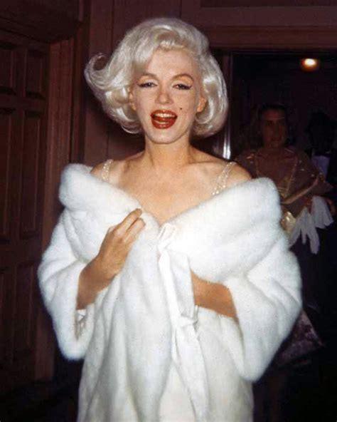 Marilyn Spam (Marilyn Monroe arriving to sing Happy ...