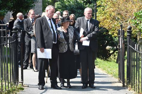 Hundreds turn out for funeral of former chief constable ...