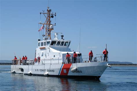 File:US Navy 050719-N-9293K-009 The U.S. Coast Guard ...
