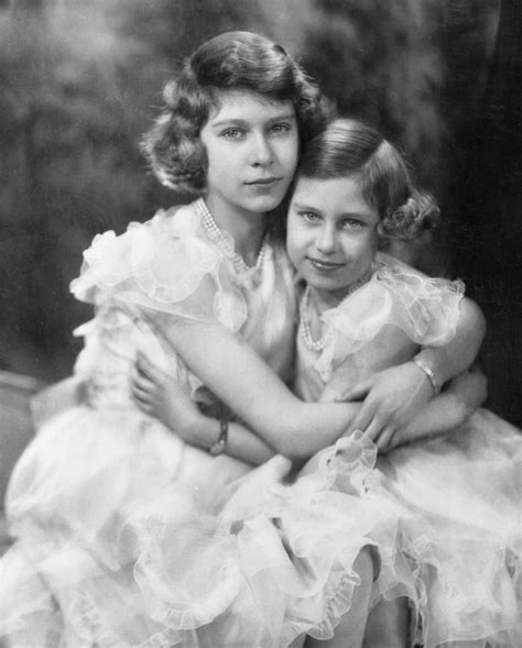 Queen Elizabeth II and Princess Margaret Pictures ...