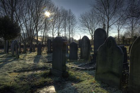 File:St georges church graveyard Carrington Greater ...