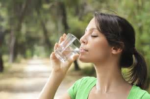 See What Happens When You Drink Water On An Empty Stomach ...