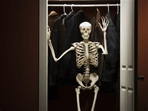 skeleton in the cupboard | delapruch
