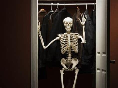 skeleton in the cupboard | delapruch