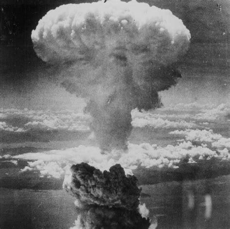 How the Atomic Bomb Myth Disarmed America - Lovesick ...