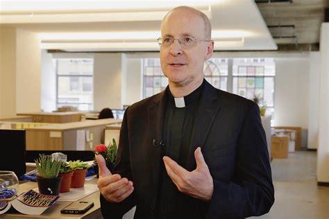 Le jésuite qui voulait réconcilier l'Eglise et la ...