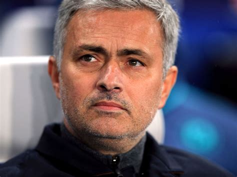 Jose Mourinho snubbed by some Chelsea players after saying ...