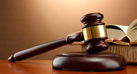 ROB SCHNEIDER IS…A COURTROOM GAVEL! | F.F.B.M.C.O.