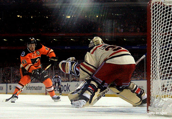 Lundqvist vs. Briere penalty shot: Classic's made-for-TV moment