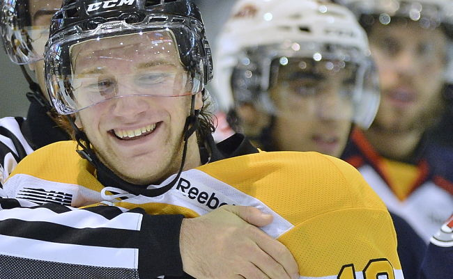 Kingston Frontenacs' Ryan Hutchinson kicks helmet, throws chair after being ejected (VIDEO)