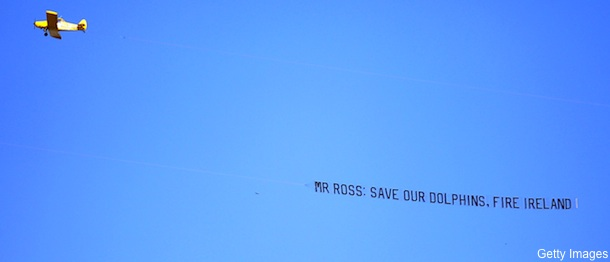 Fans pay for airplane banner calling for firing of Dolphins GM