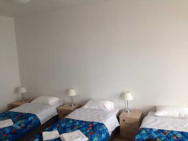 Doll beds in Sochi; Finland's goalie factory; Phil Kessel, good at hockey (Puck Headlines)