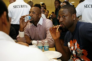 Dwyane Wade drops five pounds every game, eats chlorophyll