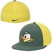 Men's Nike Green/Yellow Oregon Ducks Players True Vapor Swoosh Dri-FIT Performance Hat